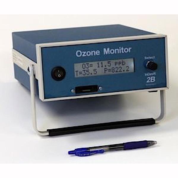 model-202-pen-800px-2
